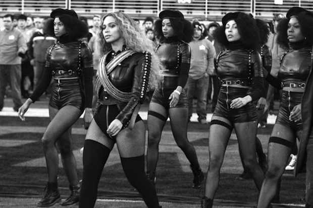 beyonce-dancers-superbowl-halftime-show-black-panthers-2016-compressed